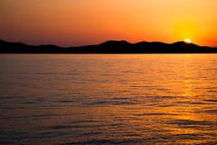 Zadar, Croatia (Benjamin Gillet) Tags: sunset sea sky orange sun mer set de soleil meer europe horizon coucher himmel croatia east southern ciel balkans hr eastern zadar rpublique adriatic coucherdesoleil croatian croatie hrvatska hrv adriatique dalmatia republika nebo kroatien orang dalmatien yougoslavie dalmatie croate adriatisches
