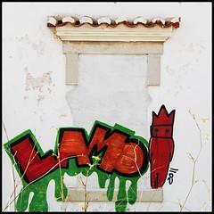 LAMO (foto.phrend) Tags: red green portugal window square graffiti decay lagos lamo 500d daylightrobbery