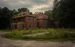 'grabowsee sanatorium' (Mark Colour | inQue Productions) Tags: abandoned urbex urbanexplorer urbanexplore urbanexploring urban explore explorer exploring lostplace lost lp grabowsee germany german brandenburg russian russia canon