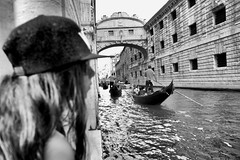 Fuji X70 - Venice (konstantin.tilberg) Tags: fujifilm fujifilmx70 fujix70 fuji street streetphoto streetphotography x70 people gondola venice venezia italy city fujix
