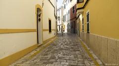 2184  Una calle de Ciutadella, Menorca (Ricard Gabarrs) Tags: calle rue street ciudad pueblo villa color colores perspectiva ricardgabarrus aire libre2 carretera ricgaba olympus