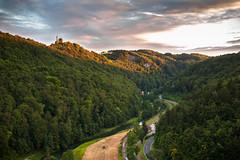 Wiesenttal und Burg Gweinstein (Benni128) Tags: wiesenttal burg gsweinstein franken frnkische schweiz franconia valley olympus omd em10 panasonic 20mm mft m43