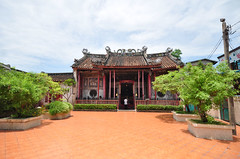 Wat Kalayanamit Bangkok tour_E10962075-036