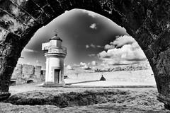 Nuages depuis l'abbaye de la pointe Saint-Mathieu (Olivier1975) Tags: zeiss iso100 nuages ze f13 plougonvelin pointesaintmathieu silverefexpro distagont2821 canon5dmarkii ruby5 zeisscontest2012 photographyforrecreationbwclassic