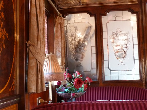 AL Andalus - luxury train in Spain, restaurant detail