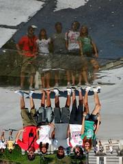 Sotto-sopra (RobbiSaet) Tags: madrid street travel people espaa water reflections square nikon europa europe strada persone coolpix piazza capitale acqua riflessi viaggio spagna s3000 me2youphotographylevel1 robbisaet robertasaettone