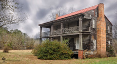 Humphrey House - Abandoned NC Series (The Uprooted Photographer) Tags: old house abandoned home architecture farmhouse rural nc rust decay farm columns northcarolina confederate civilwar tobacco ruralexploration abandonednc