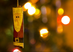 week 50: cinnamon stick Santa wishes you (Connie Sue2) Tags: santa christmastree week50 cinnamonstick christmaslightbokeh themehappyholidays 52of2012