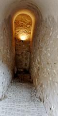 Couloir casematé (Ombre&Lumiere) Tags: lorraine 57 forteresse patrimoine moselle siercklesbains grandssitesdemoselle paysdes3frontières châteaudesducsdelorraine châteaufortmédiéval xiexviie