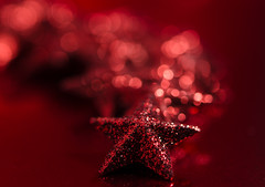 Red carpet (simona.photo) Tags: macromondays stars bokeh red nikon d7000 tamron90mmf28dimacrovcusdf2004 wow