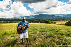 TN_Adarsh_Poonam PF-7 (SaurabhM Photography) Tags: portrait photography smokies nashville beautiful guitarist music nature admiration friendsandfamily smiles greenery warmth vignette