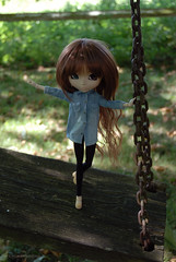 Just playing like a kid (Erla Morgan) Tags: doll pullip pullipsouseiseki souseiseki souki erlamorgan groove junplanning wig obitsu swing chips paris holidays france