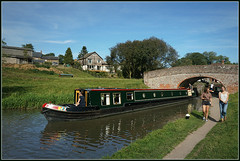 ENDEAVOR (Jason 87030) Tags: endeavor boat canal narrowboat barge guc grandunioncanal towpath water edge waterside braunston northants northamptonshire sunny summer september 2016 girls boaters walking walkers path refelction craft vessel leisure relaxing local view scene nice
