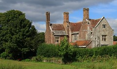 Woolbridge Manor - Wool, Dorset 010916 (3) (Richard Collier - Wildlife and Travel Photography) Tags: dorset wool houses building manor historical history