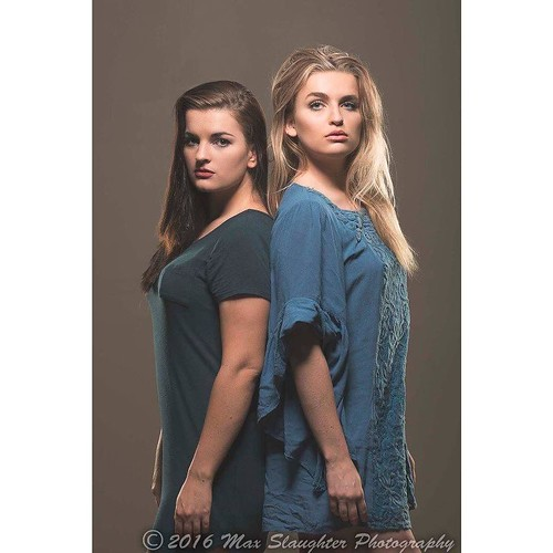 When Abbey came to shoot this summer her escort was her verry pretty sister Emily.