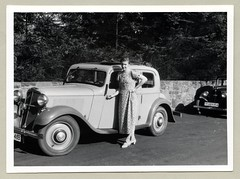 Hanomag Kurier Typ 11 K (Raymondx1) Tags: vintage classic black white blackwhite sw photo foto photography automobile car cars motor hanomag kurier hanomagkurier woman lady girl 1930s thirties fashion dress summerdress floraldress puffsleeves dollyshoes maryjanes maryjaneshoes