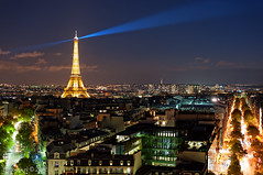 Beam! / Eiffel Tower / Paris / Parijs (zzapback) Tags: city blue light panorama paris france tower night de photography 50mm evening nikon long exposure cityscape fotografie tour toren f14 arc triomphe eiffel sharp beam le enjoy hour frankrijk parijs stad tack afd d700 zzapback