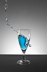 Wasser 1 (Ness Nissla) Tags: wasser splash glas spritz spritzer spritzen
