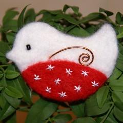 scandinavian style Christmas robin (The Fluff Pot) Tags: christmas robin brooch redandwhite scandinavianstyle