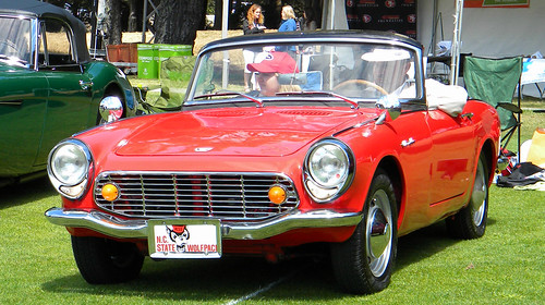 image - photo of Honda S600 convertible, shiny red, perfect condition.