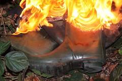 IMG_9955 (sim_hom) Tags: burning wellies