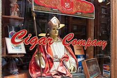 Little Italy (Jorge Pazos) Tags: usa newyork color horizontal viajes shops littleitaly vidrieras tabaco tiendas estadosunidos nuevayork eeuu