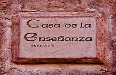 B1034-Casa de la Enseanza (Albarracn) (Eduardo Arias Rbanos) Tags: sex nikon sexo posters teaching carteles d100 teruel enseanza albarracn eduardoarias eduardoariasrbanos