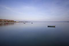 Calma absoluta (Águeda Vázquez) Tags: canon landscape muelle mar agua sigma playa paisaje cielo cadiz otoño seda calma horizonte tranquilidad sigma1020mm nd400 puertoreal