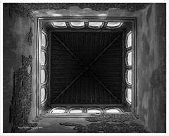 DENTRO DEL BAUELO [ALHAMBRA, GRANADA] (RUA DOS ANJOS PRETOS) Tags: alhambra granada worldheritage baos bauelo patrimoniodelahumanidad baosarabes