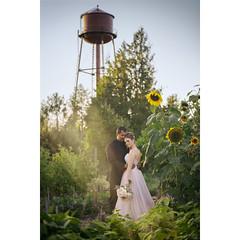 perfect day (*Starbuck*) Tags: wedding bride goldenhour watertower mcmenamins edgefield mcmenaminsedgefield sunbeams sunset sunflowers portrait love thebrideworeblush portland oregon