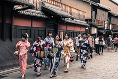 Girls in Yukata (Hiro_A) Tags: kyoto gion japan japanesestyle yukata girl girls street hanamikoji d7200 nikon sigma 1770mm 1770 sightseeing