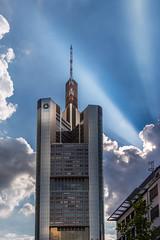 Commerzbank Tower, Frankfurt. (joseph_donnelly) Tags: germany frankfurtammain frankfurt commerzbank tower sky himmel sun rays turm