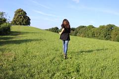 Into the Wild (janalauri) Tags: wild nature meadow trees green grass girl running horizon sky blue freedom natur wiese bume grn himmel blau summer sommer mdchen rennen laufen weite freiheit vastness