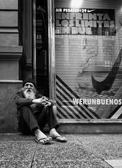 Enfrenta los Limites en Bue (Rexo Otaegui) Tags: portrait blackandwhite blancoynegro blanco canon grey blackwhite buenosaires foto buenos aires negro oldman bicicleta tokina viejo borges portrai 1116 60d canon60d tokina1116