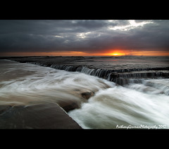 Little Austi (AnthonyGinmanPhotography) Tags: water sunrise flow moody illawarra coalcoast littleausti