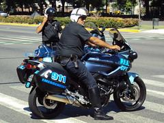 Motorizada de la PFA (Upper Uhs) Tags: argentina argentine buenosaires 911 police security motorbike moto polizei seguridad polícia polis polizia pfa policía policja poliisi argentinien agente polisi pulizija motorizada policíafederalargentina policíafederal fuerzapública
