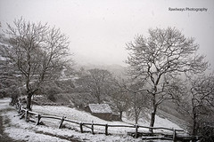(Rawlways) Tags: snow spain cabin asturias