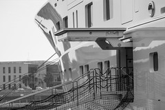 El Topaz en la marina Port Tarraco - Puerto de Tarragona - Acceso al barco (Joaquim F. P.) Tags: marina germany mediterranean yacht vessel catalunya tarragona mega topaz lujo yate jfp costadorada costadaurada goldencoast tgn  lrssen ciutatdetarragona superyate porttarraco embarcacindeplacer luerssen13677 mediterraneangoldencoast