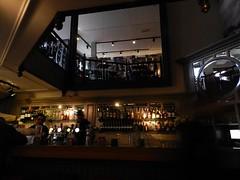 mooie horeca gelegenheid (JosDay) Tags: light bar reflections restaurant mirror licht cafe mr spiegel gouda spiegeling spiegelungen mirrorreflections