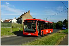 Lynxbus 2 (YJ55 BJE) Heacham (Jason 87030) Tags: optare tempo 2 heacham kingslynn greatbritain 35 norfolk hus transport village uk england hunstatnton anglia houses evening yj55bje