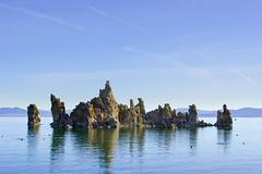 Tufa and Lake (fate atc) Tags: california monolake pinkfloyd thegreatbasin tufa usa alkalinelake endorheicbasin