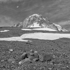 Setting Moon Over Hood (Scott Withers Photography) Tags: mthood oregon sonya7rii sonyfe2470mmf28gm