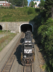 40-2 Helpers (GLC 392) Tags: emd sd402 ns norfolk southern gallitzin pa pennsylvania 3346 tunnel portage helper helpers no longer railroad railway train going through