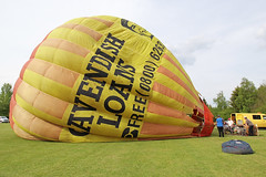 """G-BOWK """"Cavendish Loans"""" (QSY on-route) Tags: gbowk cavendish loans british balloon museum library inflation day 2016 pidley lakeside lodge 07052016"""