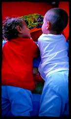 Fratelli (Fata_Ignorante) Tags: libro book reading leggendo fratelli brothers eli jeremi elek jeremek amore love family famiglia