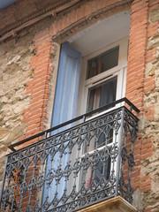 ** Collioure... la magnifique... ** - 3 (Impatience_1 (Peu...ou moins prsente)) Tags: collioure languedocroussillonmidipyrnes pyrnesorientales cret ctevermeille france impatience window brique brick pierre stone balcon balcony balconenferforg wroughtironbalcony