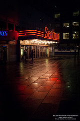 Sentrum Scene (The Autodidact Photographer) Tags: november autumn red people rain canon dark season lights evening outdoor dslr rd lys kamera drizzle lenses hst kveld objektiv mrkt mennesker canonef1635mmf28lusm utendrs rstid eos5dmkii eos5dmark2