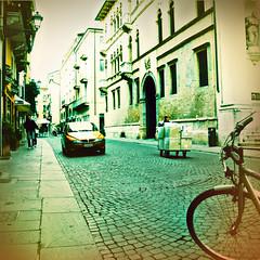 Il corso - Vicenza (RONALD MENTI) Tags: italia streetphotography vicenza veneto ronaldmenti