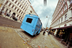 Camion Bleu (@YannGarPhoto) Tags: street fish eye car truck french nikon 8 citron fisheye h camion type mm rue franais samyang d5000 yanngar