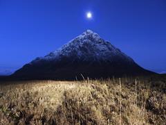 AE MOONLICHT KISS (kenny barker) Tags: longexposure moon night lumix scotland glencoe scottishlandscape landscapeuk beauchailleetivemor beauchaille panasoniclumixgf1 welcomeuk kennybarker